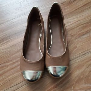 Lane Bryant size 11 tan with gold toe flats